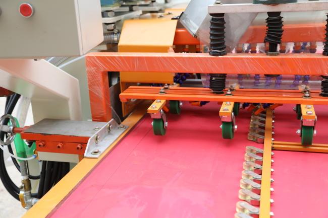 Electric ceramic tile cutting machine